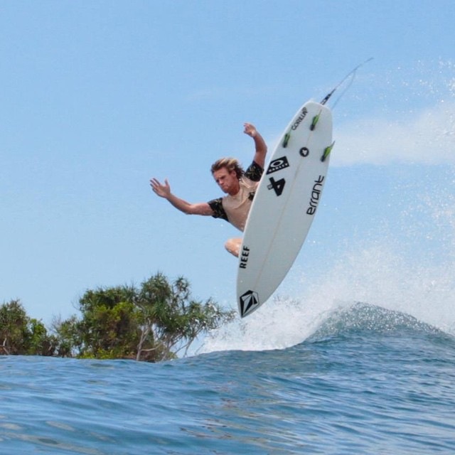 Feels like spring in the Uk today. Not quite this warm though. @harry_timson Sumbawa. Take me back! @volcom @reef_europe