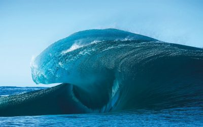Amazing Waves – the mother of all surf photography books is here!