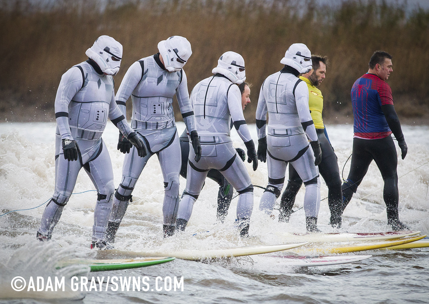Star Wars Stormtroopers Take The Severn Bore Carvemag Com