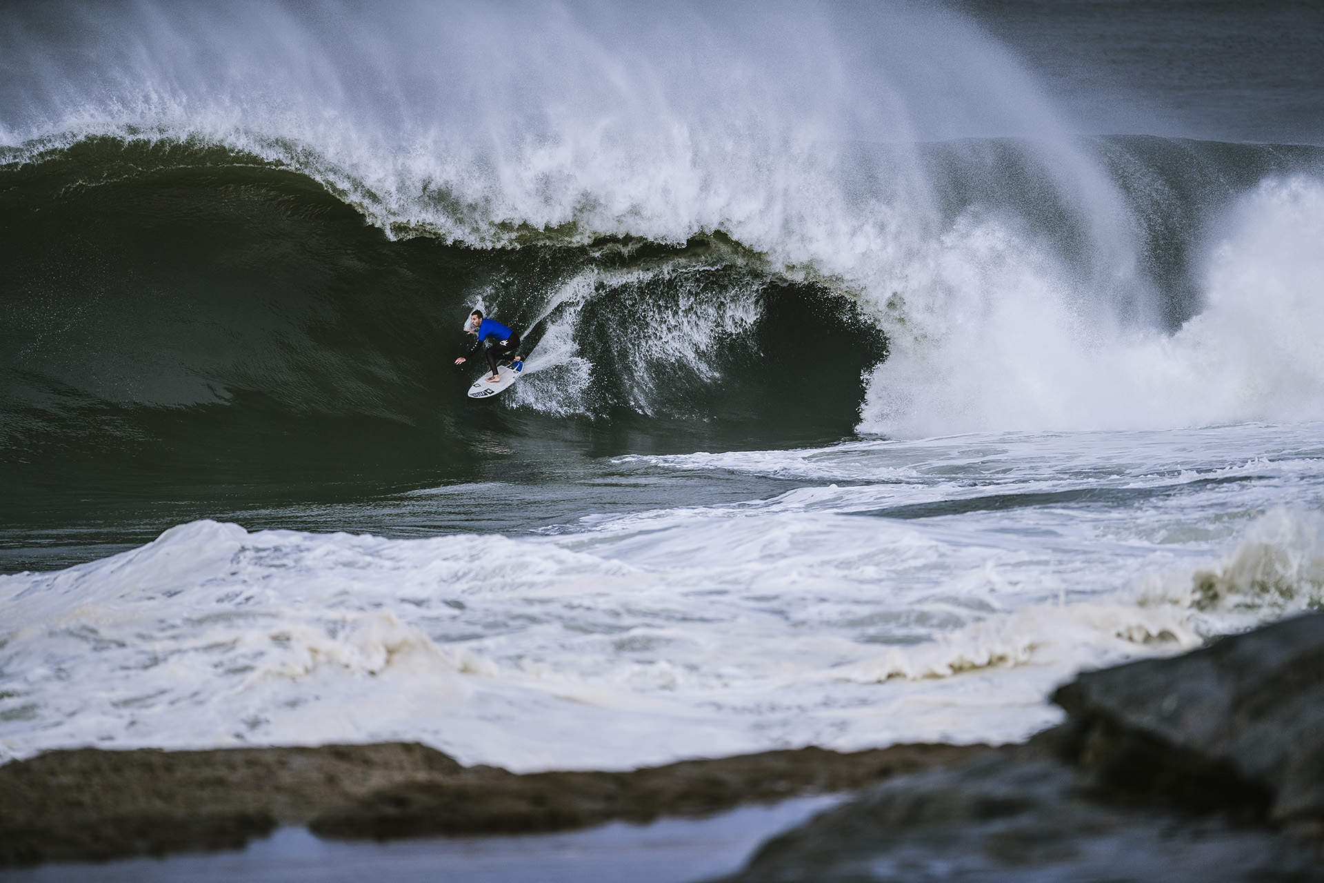 Evan Faulks performs during the Red Bull Cape Fear event in Sydney, Australia on June 6, 2016. // Brett Hemmings / Red Bull Content Pool // P-20160606-00725 // Usage for editorial use only // Please go to www.redbullcontentpool.com for further information. //