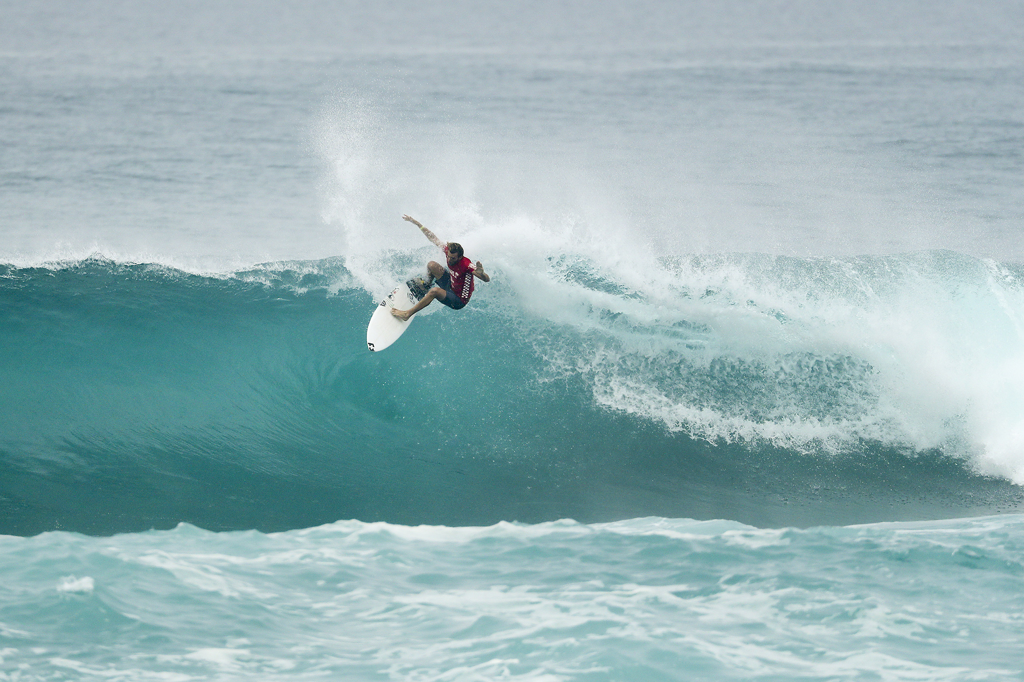 Frederico Morais SECOND in the Final of the VANS World Cup of Surfing at Sunst Beach, Hawaii today.