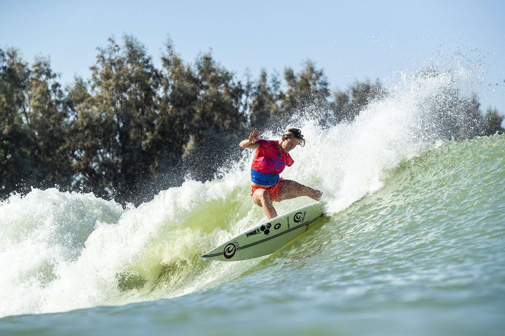 3d77b9f50cf8f7 Bethany Hamilton (HAW) has a heat total of 9.26 points (out of a possible  20.00) after her Qualifying Run 1 at the 2018 Surf Ranch Pro in Lemoore