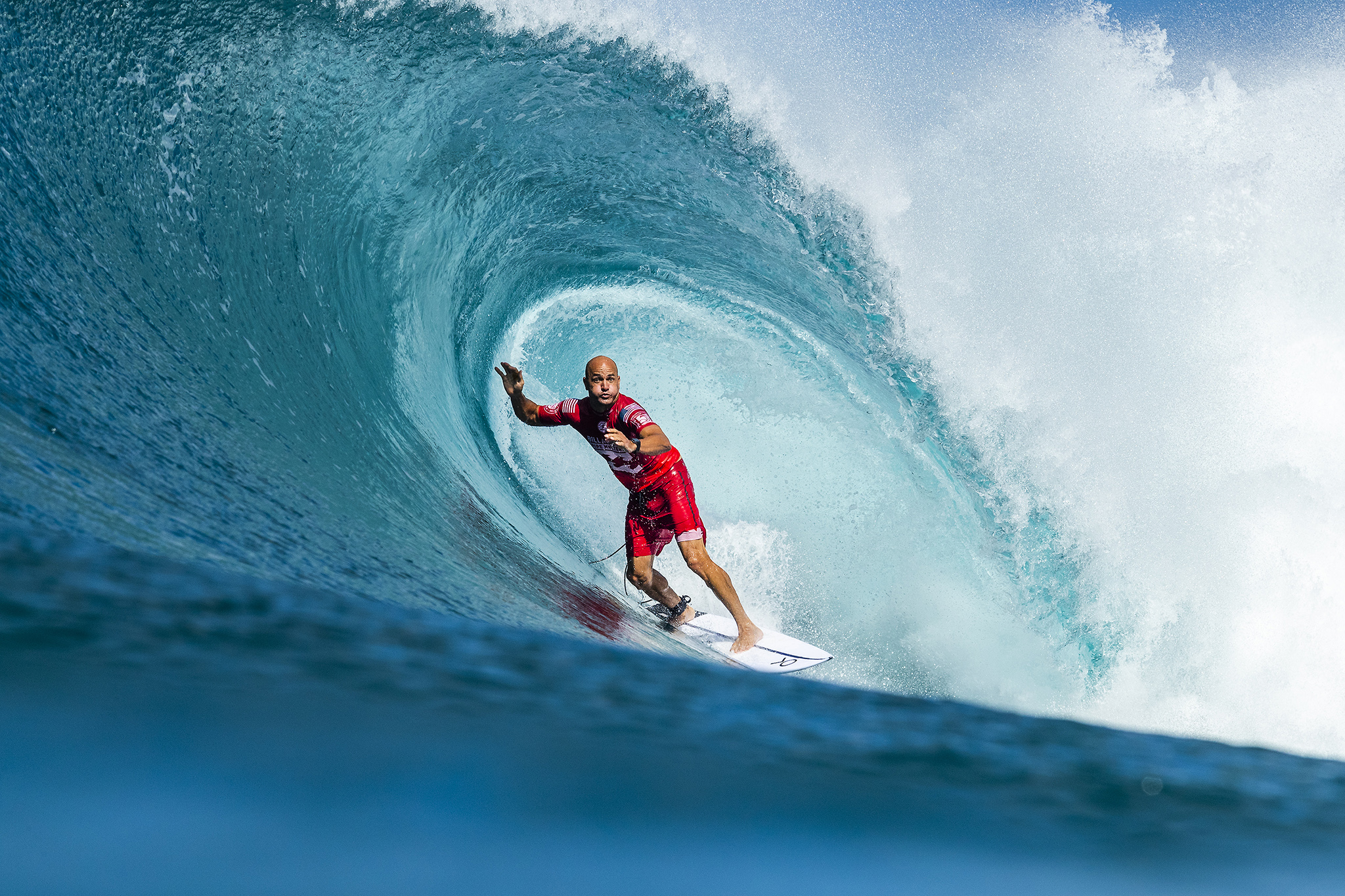e52c890c39 11X World Champion Kelly Slater (USA) is eliminated from the 2018 Billabong  Pipe Masters with an equal 3rd finish after placing second in semifinal  heat 2 ...