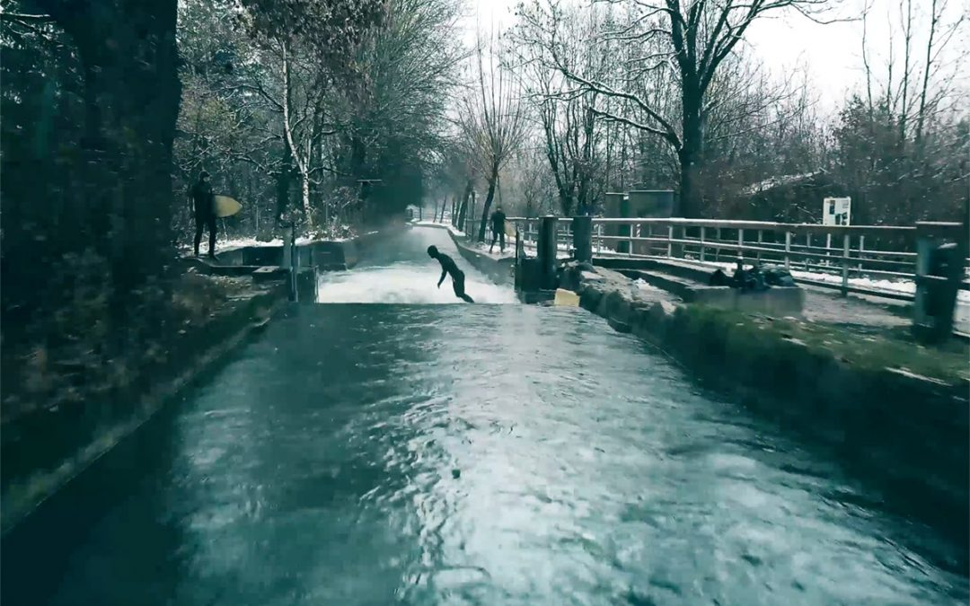 River surfing in Snow