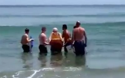 One last wave – A few good blokes helping a dying man fulfil his dream