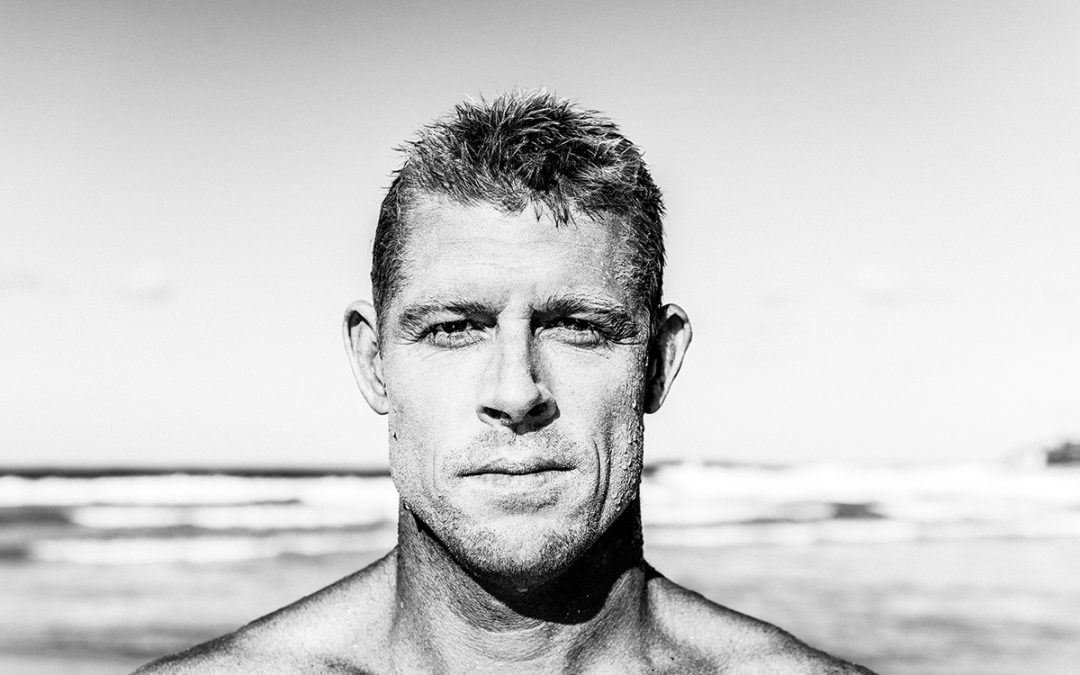3x World Champion Mick Fanning Tears His ACL In South Africa