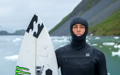 Win a Billabong  Furnace Carbon 5/4mm – Hooded Wetsuit worth £430!